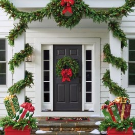 Cozy Outdoor Christmas Decoration Ideas 04