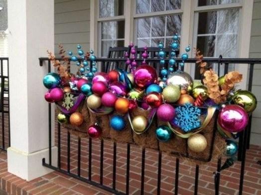Cozy Outdoor Christmas Decoration Ideas 06