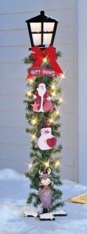 Cozy Outdoor Christmas Decoration Ideas 27