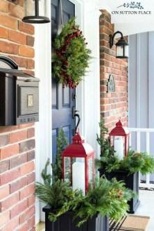 Cozy Outdoor Christmas Decoration Ideas 36