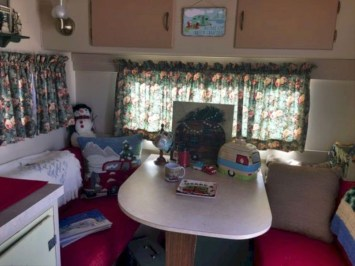 Creative RV Remodel Ideas For Christmas 03