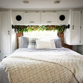 Creative RV Remodel Ideas For Christmas 09