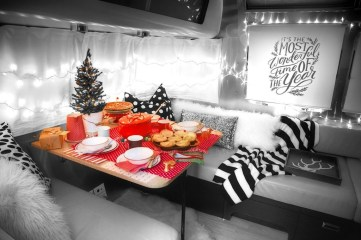 Creative RV Remodel Ideas For Christmas 22