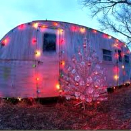 Creative RV Remodel Ideas For Christmas 30