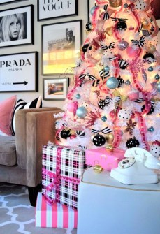 Cute Pink Christmas Tree Decoration Ideas You Will Totally Love 05
