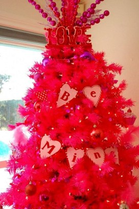 Cute Pink Christmas Tree Decoration Ideas You Will Totally Love 07