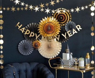 Easy DIY New Years Eve Party Decor Ideas 03