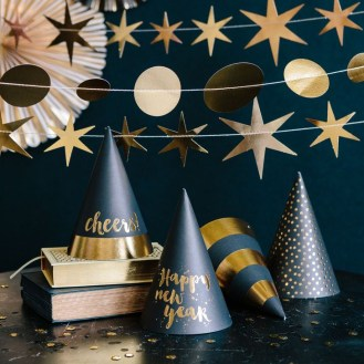 Easy DIY New Years Eve Party Decor Ideas 24