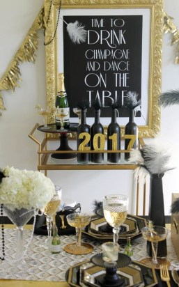 Easy DIY New Years Eve Party Decor Ideas 44