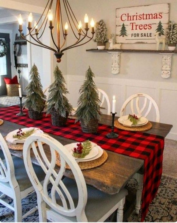 Eye Catching Kitchen Table Christmas Decoration Ideas 42