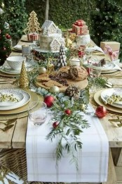 Eye Catching Kitchen Table Christmas Decoration Ideas 45