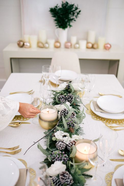 Eye Catching Kitchen Table Christmas Decoration Ideas 52