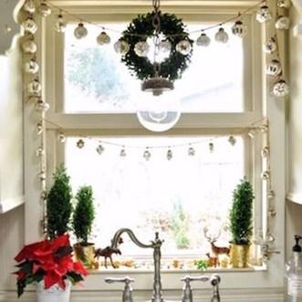 Fabulous Kitchen Christmas Decoration Ideas 09
