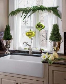 Fabulous Kitchen Christmas Decoration Ideas 21