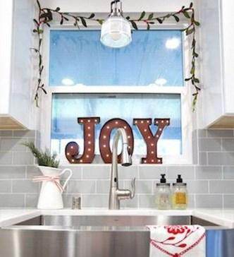 Fabulous Kitchen Christmas Decoration Ideas 29
