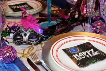 Fantastic New Years Eve Party Table Decoration Ideas 08