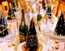 Fantastic New Years Eve Party Table Decoration Ideas 11