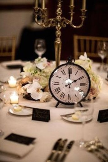 Fantastic New Years Eve Party Table Decoration Ideas 31