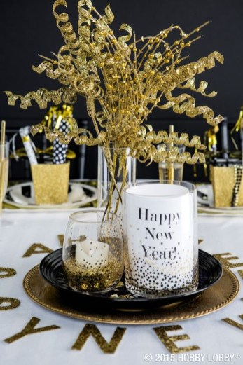 Fantastic New Years Eve Party Table Decoration Ideas 49