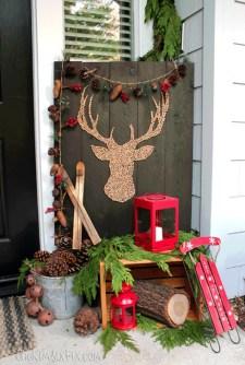 Favorite Christmas Porch Decoration Ideas 23