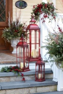 Favorite Christmas Porch Decoration Ideas 26