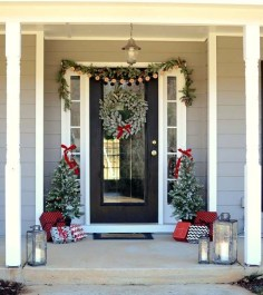 Favorite Christmas Porch Decoration Ideas 41