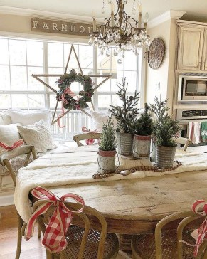 Gorgeous Farmhouse Christmas Tree Decoration Ideas 08