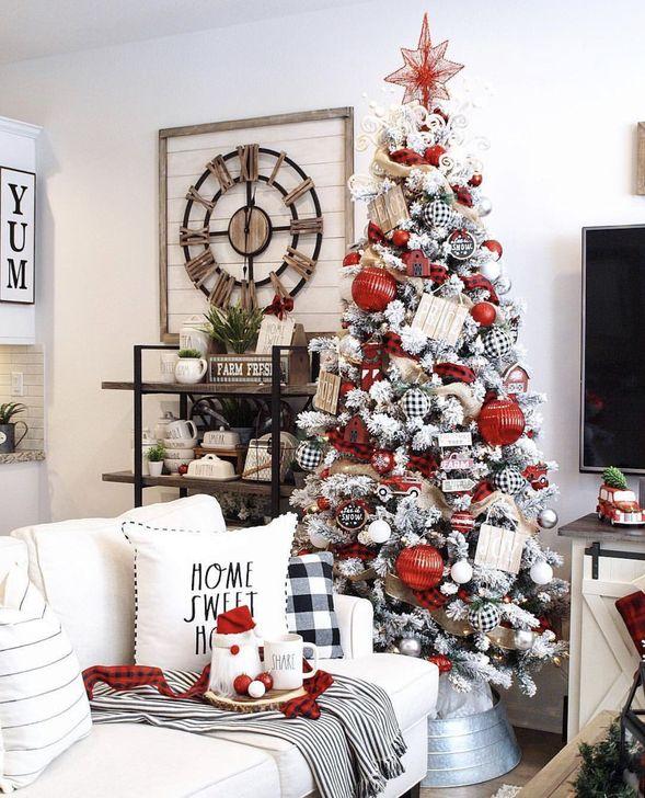 Gorgeous Farmhouse Christmas Tree Decoration Ideas 12