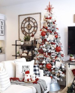 Gorgeous Farmhouse Christmas Tree Decoration Ideas 12