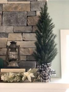 Gorgeous Farmhouse Christmas Tree Decoration Ideas 13