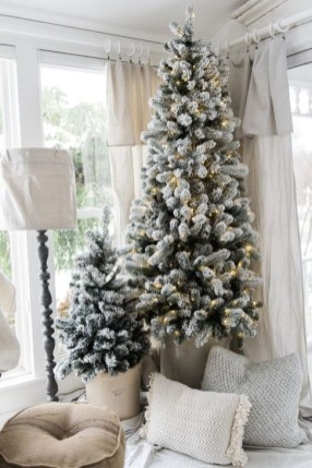 Gorgeous Farmhouse Christmas Tree Decoration Ideas 35