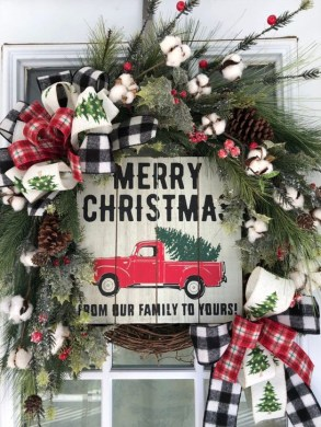 Gorgeous Farmhouse Christmas Tree Decoration Ideas 51