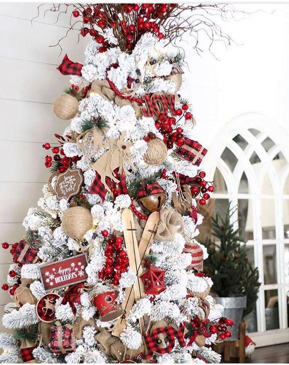 Gorgeous Farmhouse Christmas Tree Decoration Ideas 56