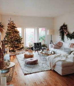 Inspiring Christmas Decoration Ideas For Your Living Room 06