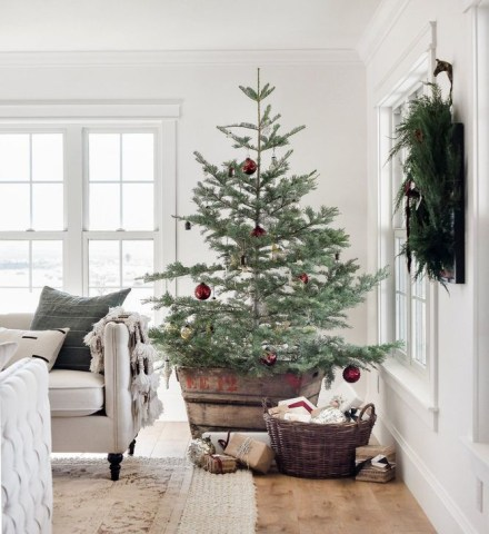 Inspiring Christmas Decoration Ideas For Your Living Room 09