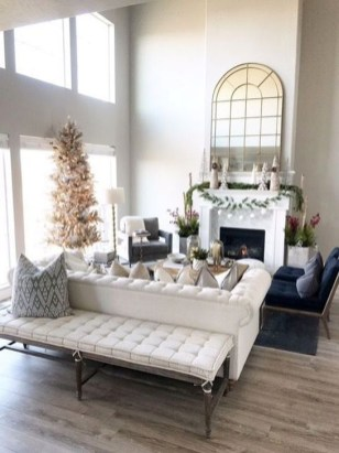 Inspiring Christmas Decoration Ideas For Your Living Room 26