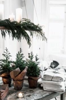 Minimalist Christmas Decoration On A Budget 10