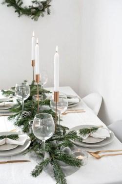 Minimalist Christmas Decoration On A Budget 12