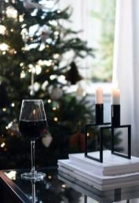 Minimalist Christmas Decoration On A Budget 19