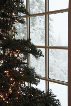 Minimalist Christmas Decoration On A Budget 47