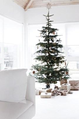 Minimalist Christmas Decoration On A Budget 48