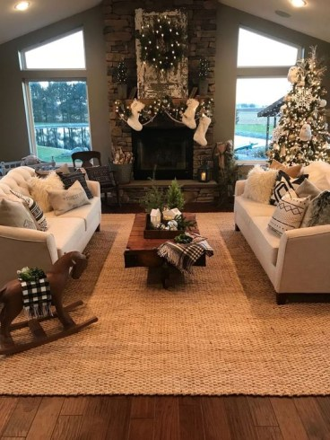 Popular Winter Living Room Design For Inspiration 07