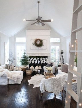 Popular Winter Living Room Design For Inspiration 54