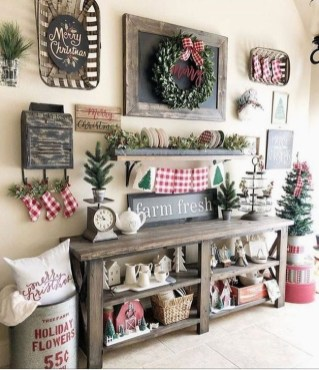 Rustic Farmhouse Christmas Decoration Ideas 16