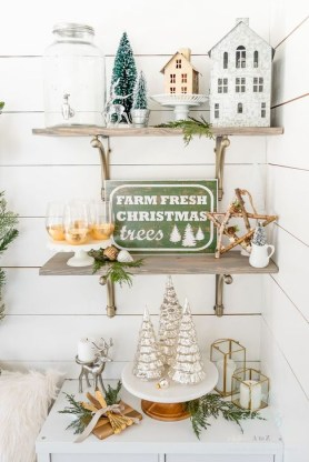 Rustic Farmhouse Christmas Decoration Ideas 44