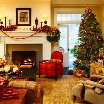 Smart Fireplace Christmas Decoration Ideas 23