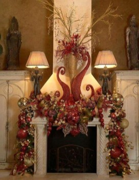 Smart Fireplace Christmas Decoration Ideas 24