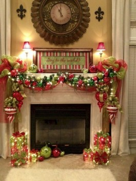 Smart Fireplace Christmas Decoration Ideas 25