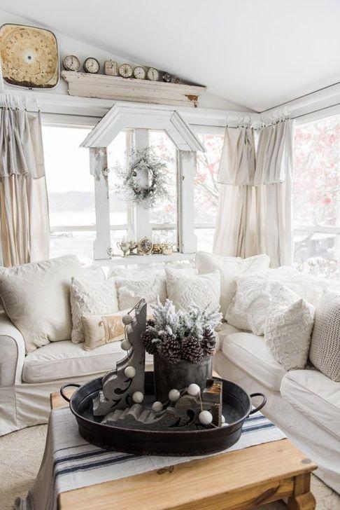 Stunning Shabby Chic Christmas Decoration Ideas 29