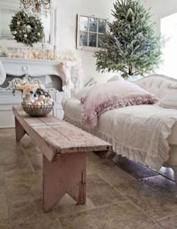 Stunning Shabby Chic Christmas Decoration Ideas 31